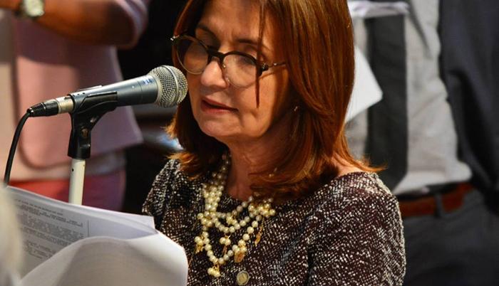 Deputada Martha Rocha apresenta PL para inclusão dos profissionais de educação no grupo prioritário de vacinação contra a COVID-19