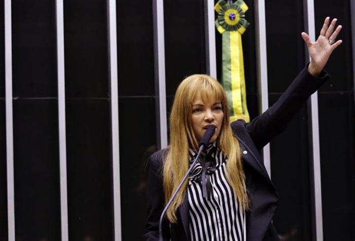 É uma vergonha para o Brasil Flordelis ainda ser deputada