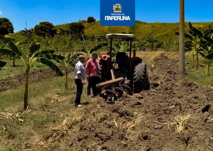 Secretaria de Agricultura atende produtores no distrito de Nossa Senhora da Penha