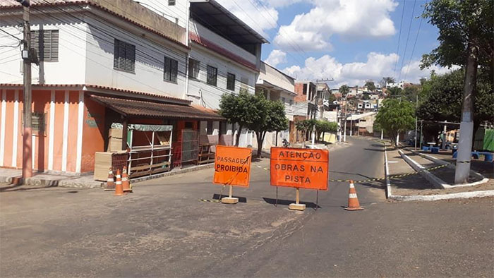 Rua do bairro Carulas ficará fechada por cerca de sete dias por conta das obras de drenagem debaixo da Ponte do Frigorífico, em Itaperuna