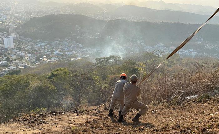 Secretaria de Turismo de Itaperuna age rapidamente contra queimadas nos arredores do Cristo Redentor