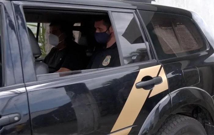 Prefeito de São Mateus/ES é preso com R$ 400 mil em casa por suspeita de fraude em licitações