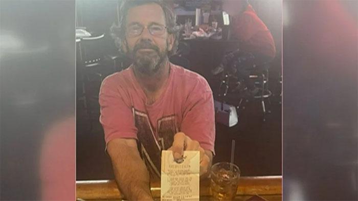 Ganhador de loteria morre afogado com bilhete premiado na carteira