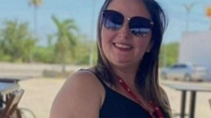 Suspeita é presa por mandar matar namorado que mantinha trisal com própria filha