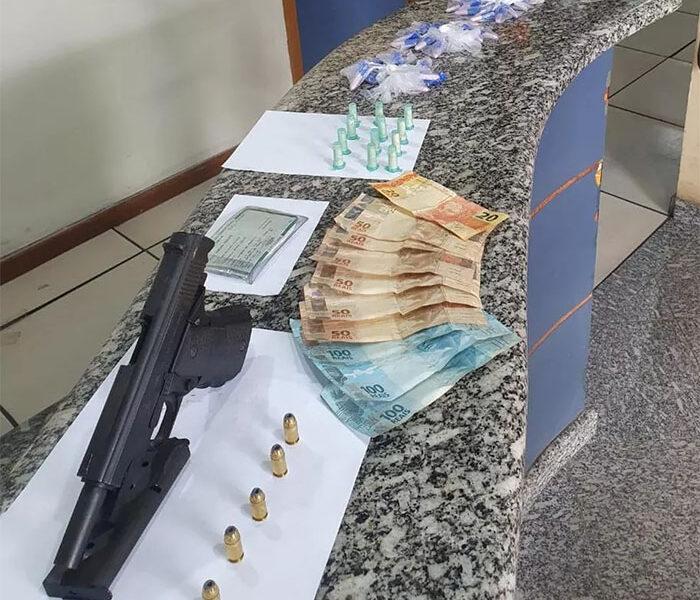 Miracema: Homem de 24 anos é preso com pinos de cocaína, arma e munições